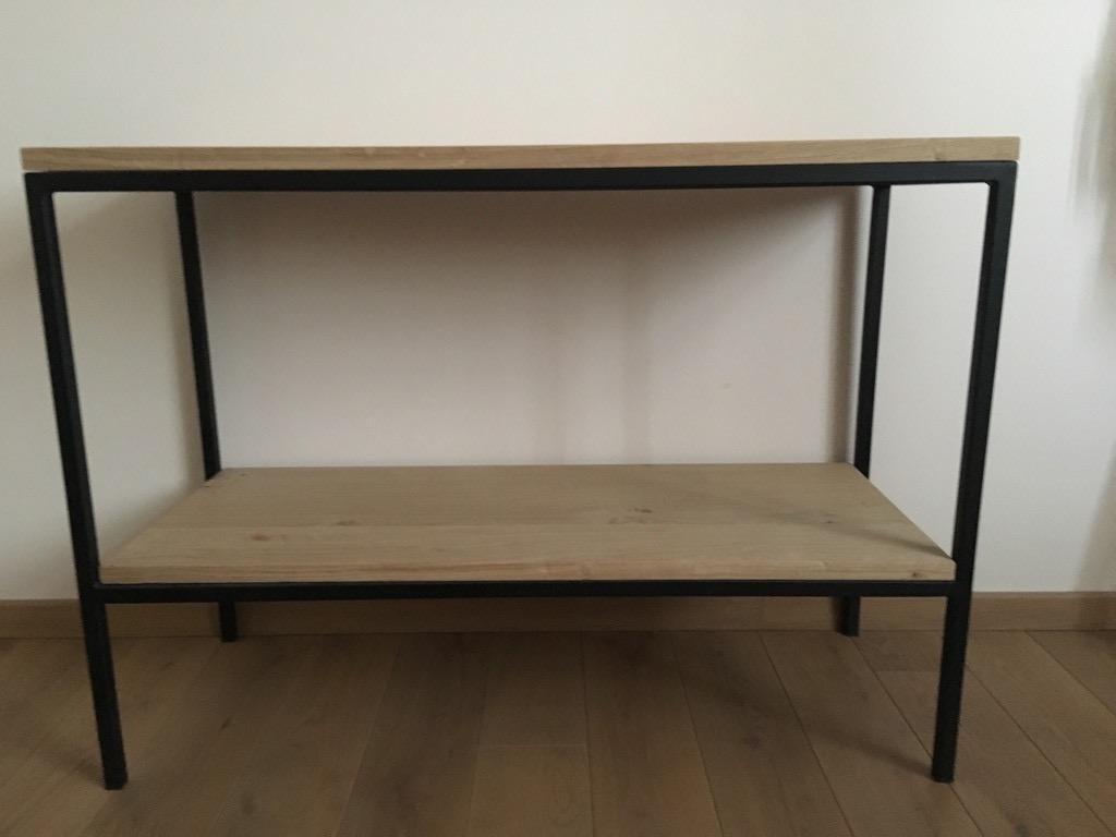 Medinė - metalinė konsolė/staliukas