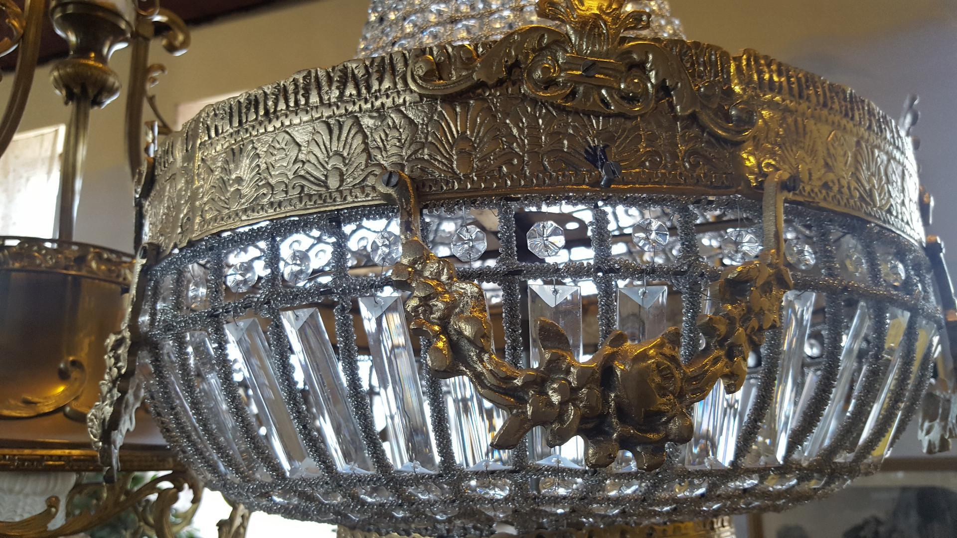 Gražus senovinis šviestuvas