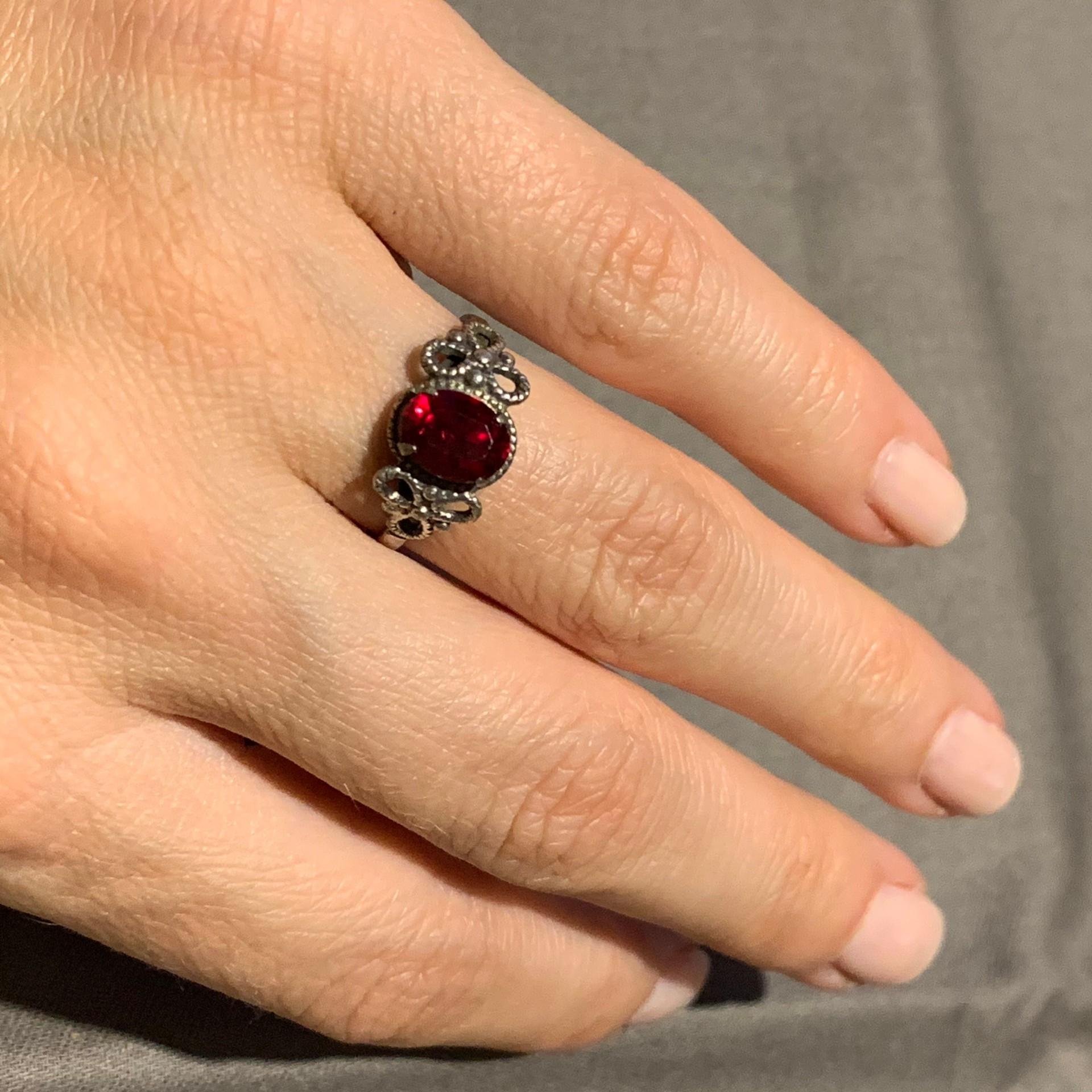 Žiedas. Sidabrinis.