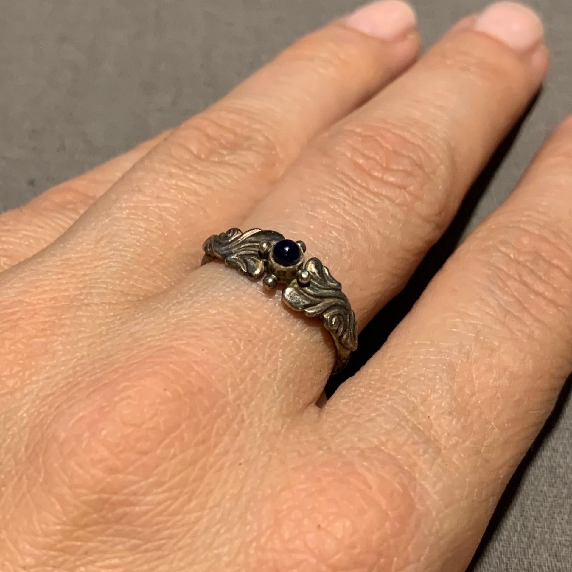 Dekoratyvus žiedas.