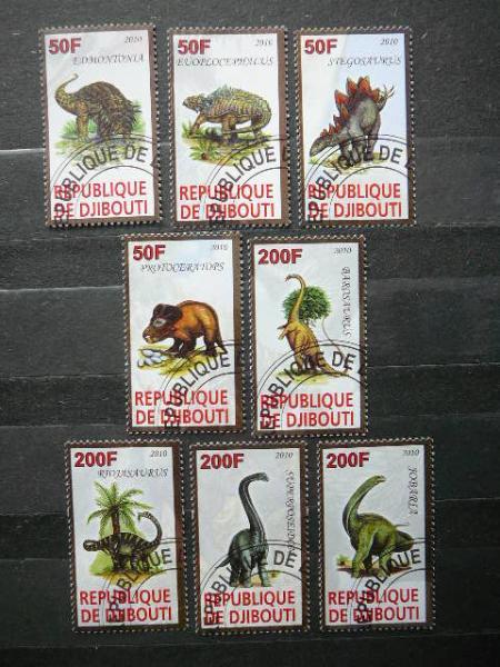 s6901 Dinozaurai antsp.